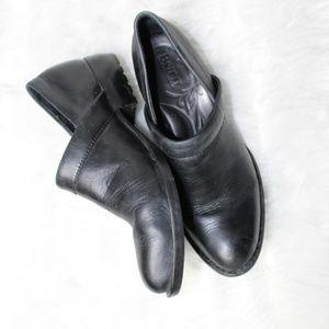 BORN Black Leather Heeled Loafers EUC 7 M